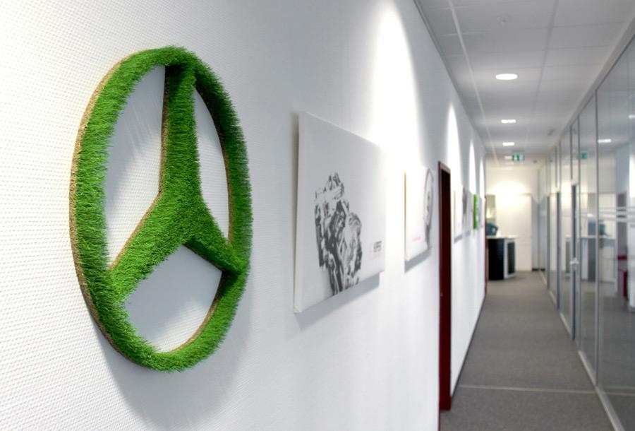 Bildlogo aus Gras als Wand-Bürobegrünung