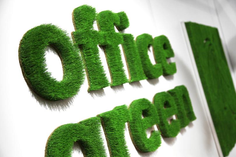"""Wand Beschriftung aus Gras """"office green"""""""