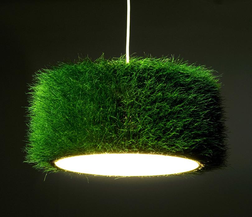 Mit Gras kaschierter Leuchtenschirm