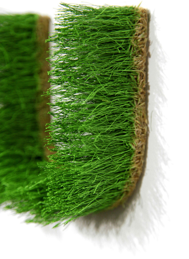 Indoor wall greening system with genuine grass