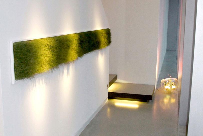 Wandbegrünung mit Gras Streifen